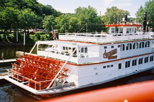 Picture of a riverboat